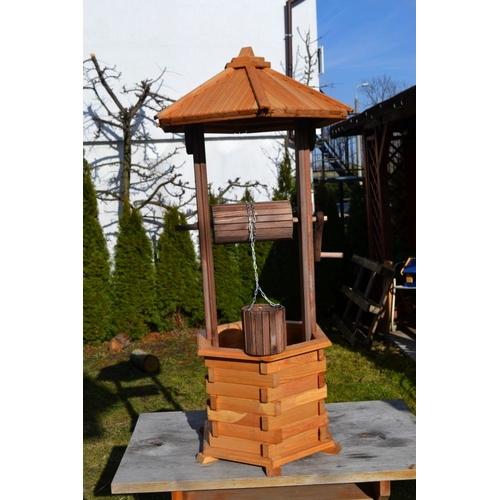 gartenbrunnen aus holz zierbrunnen holzbrunnen brunnen f r den garten ebay. Black Bedroom Furniture Sets. Home Design Ideas