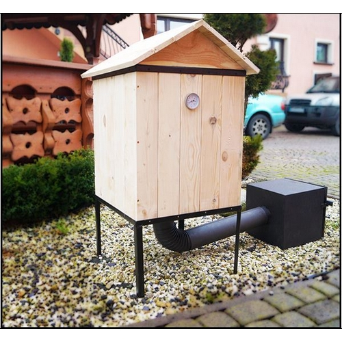 r ucherofen traditioneller r ucherofen aus holz mit feuerkammer und dach mobil ebay. Black Bedroom Furniture Sets. Home Design Ideas