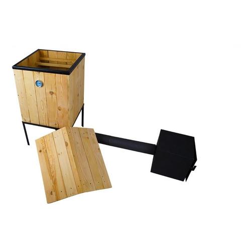 traditioneller r ucherofen r ucherofen aus holz mit. Black Bedroom Furniture Sets. Home Design Ideas